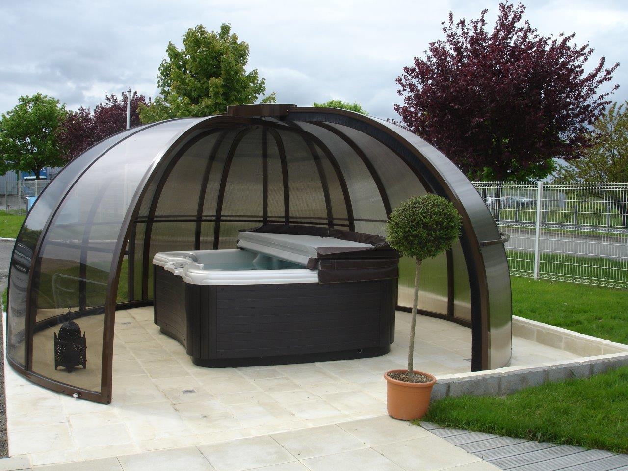 Aqua jardin tout pour l 39 eau piscine for Abri piscine ronde